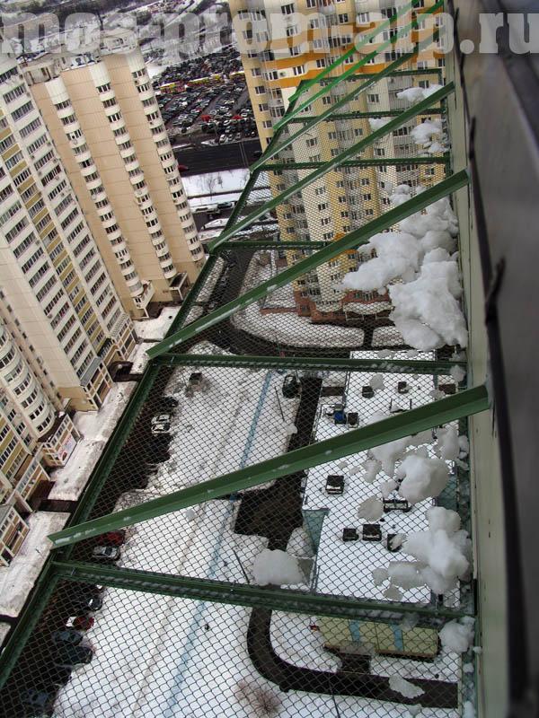 Защитно-улавливающие решетки на вентилируемом фасаде