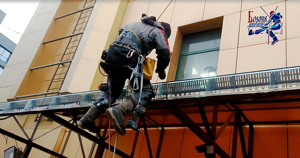 Комплексные работы по ремонту навеса из сотового поликарбоната